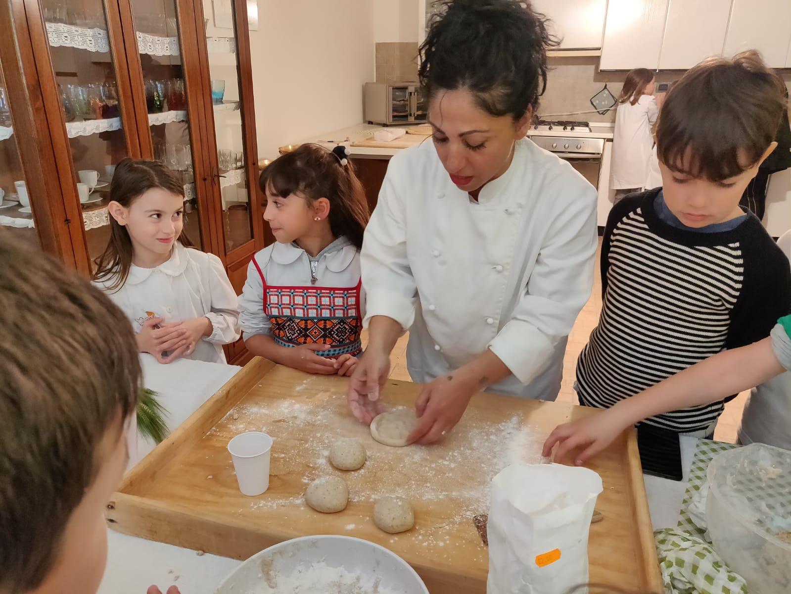 I ragazzi della terza C alla scoperta del pane …primitivo. La storia diventa laboratorio