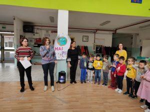 """Festa dell'albero alla Scuola """"G.Spataro"""" IC1 Vasto .160 bambini tra infanzia, primaria e scuole parificate in attività di continuità"""