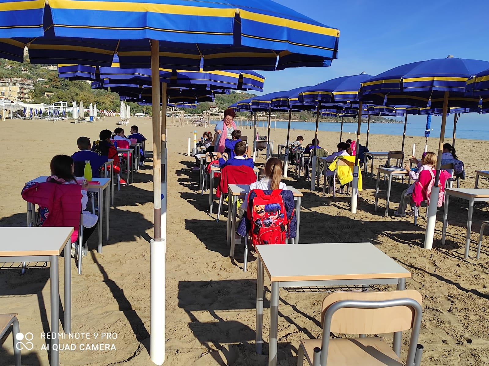 Scuola in riva al mare per la seconda C della Spataro con il progetto InSabbiaMenti. Con Paolo Sorgente per capire le tecniche della pesca